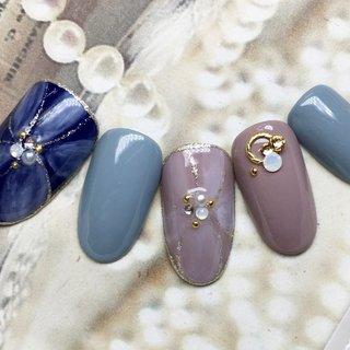 スモーキーカラーが人気のふんわりフラワー #秋 #冬 #ハンド #シンプル #ワンカラー #フラワー #ショート #ベージュ #ピンク #スモーキー #JEWEL SALON total beauty【旧jewel nail】 #ネイルブック