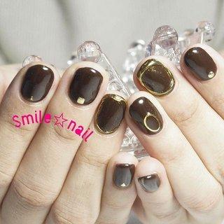 大田原定額ネイルサロン Smile☆nailのyukariです(*^^*) お持込みデザインを参考に💡 チョコレートカラープラスゴールドでキリッとカッコ良く✨ パーツは控え目に抜け感を意識ヽ(•̀ω•́)ゝ✧ いつもご来店ありがとうございます😊 ☆,。・:*:・゚'☆,。・:*:・゚'☆,。・:*:・゚' ご予約は#ネイルブック 又は プロフィールのURLから☆ 是非【Nail book】アプリをご利用下さい❤️ ☆,。・:*:・゚'☆,。・:*:・゚'☆,。・:*:・゚' ラクマでピアス ミンネでネイルチップを販売してます ٩( ᐛ )و  ネイルチップ→ミンネ https://minne.com/5116ykr (スマイルネイルで検索‼︎) ピアス→ラクマ https://fril.jp/shop/Smile_bijou (スマイルビジュー ネイリストで検索‼︎) ☆,。・:*:・゚'☆,。・:*:・゚'☆,。・:*:・゚' #smilenail #スマイルネイル #大田原市ネイルサロン #大田原市ネイル #大田原ネイルサロン #大田原ネイル #大田原定額ネイル #那須塩原ネイル #那須塩原ネイルサロン #ネイルサロン #西那須野ネイルサロン #お洒落ネイル #個性派ネイル #派手カワネイル #オーダーチップ #nailpicbeaut #美爪 #ミンネ #minne #nailbook #ネイリスト仲間募集 #ネイル好きな人と繋がりたい #チョコレートカラーネイル #ブラウンネイル #カッコイイネイル #クール系ネイル #ミラーネイル #メタリックネイル #ゴールドミラーネイル #オールシーズン #バレンタイン #デート #女子会 #ハンド #シンプル #ワンカラー #ミラー #ショート #ブラウン #ゴールド #メタリック #ジェル #お客様 #Smile☆nail #ネイルブック