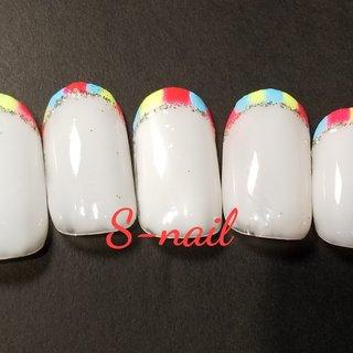 トリコロールの三色フレンチ。ベースがクリアでも使いやすいです。 #春 #夏 #ハンド #フレンチ #ミディアム #ピンク #イエロー #水色 #ジェル #ネイルチップ #S-nail #ネイルブック