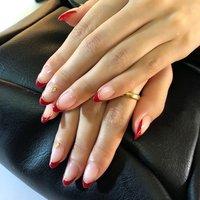 #赤フレンチ #赤フレンチネイル #赤ネイル大好き #赤ネイル #フレンチ #フレンチネイル #シンプルデザインネイル #バレンタイン #旅行 #デート #女子会 #ハンド #フレンチ #ミディアム #レッド #ジェル #レーヴネイル #ネイルブック