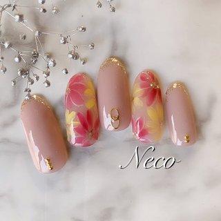 #ハンド #ラメ #フラワー #ピンク #イエロー #ジェル #ネイルチップ #nail salon Neco #ネイルブック