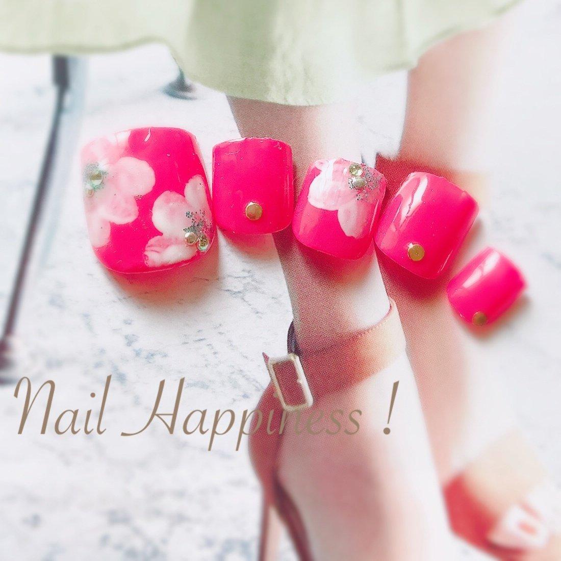 #お花フット #大人可愛いフットネイル #春フットネイル #磯子区ネイルサロン #春 #夏 #オールシーズン #海 #フット #フラワー #ピンク #レッド #ジェル #お客様 #Nail Happiness!(ネイルハピネス)*ささきまき #ネイルブック