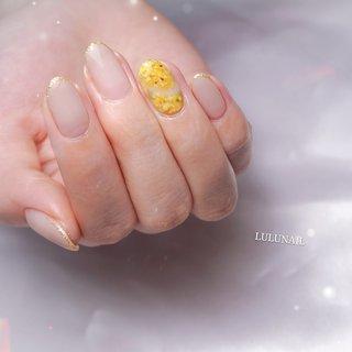#ミモザネイル 春のお花💕 オフィスネイルにさりげなくお花を添えて、、💐 . 💕当店はお客様1人1人に 寄り添うネイルサロンです💕 . ・゚✽.。.:*・゚ ✽.。.:*・゚ ✽.。.:*・゚ . ・自爪を削らないパラジェル使用 ・痛くない丁寧なケア、カウンセリング重視 ・安くて早い所より丁寧に仕上げるサロン ・人と被らない大人可愛いネイルデザイン ・相談しやすく圧が怖くないネイリスト🤣 ・DVDを見ながらリクライニングでゆっくり過ごせるサロン  ・゚✽.。.:*・゚ ✽.。.:*・゚ ✽.。.:*・゚ . 丁寧に仕上げているので、2~3時間 お時間を頂いておりますm(_ _)m . 💕LULU NAIL (ルルネイル)💕 🚃福岡県春日市駅チカネイルサロン🚃 📞090-8081-3907(出られない場合折り返します) 🕒営業時間10~17時(15時最終受付) 店休日⏩日祝  ▶︎お問い合わせ・ご予約は TOPのプロフィールから ネイルブックでネット予約して頂くか LINEにてお待ちしております✨  LINE ID→@das1635m(@から検索) . まずはご相談からでもOKです💕 . #福岡ネイル#福岡ネイルサロン#福岡ネイリスト#大野城#春日原#天神ネイル#トレンドネイル#大人可愛いネイル#ニュアンスデザイン#ニュアンスネイル#ネイル#大野城ネイル#春日原ネイル#大橋ネイル#天神ネイル#福岡プライベートサロン#春日ネイル#ナチュラルネイル#パラジェル福岡#春日市ネイルサロン#ルルネイル春日原#lulunail春日原#春日原ネイルサロン#那珂川ネイルサロン#筑紫野ネイルサロン#大宰府ネイルサロン#福岡市ネイルサロン#博多ネイルサロン#大橋ネイルサロン#大野城ネイルサロン #春 #オールシーズン #卒業式 #入学式 #ハンド #シンプル #グラデーション #フラワー #ミディアム #ホワイト #ベージュ #イエロー #ジェル #natsumi福岡県春日市LULUNAIL【ルルネイル】 #ネイルブック