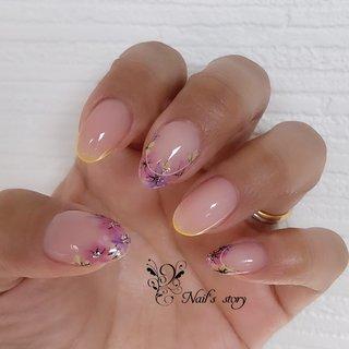写真2枚目は4年前の私の爪です🤣 #お爪の形は変わります #春 #卒業式 #入学式 #ハンド #シンプル #フレンチ #フラワー #ピンク #イエロー #パープル #セルフネイル #shiori #ネイルブック