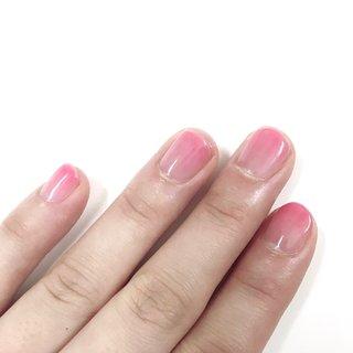 妹のオフィス用に。 ピンクが春っぽくてかわいい( ˊ꒳ˋ  初グラデ、ムラがすごい... 練習しないと〜💦  プチプラ / バービーピンク N58  #春 #グラデーション #オフィス #ピンク  #ナチュラル #セルフネイル #オールシーズン #ハンド #グラデーション #ショート #ピンク #ジェル #セルフネイル #はるな #ネイルブック