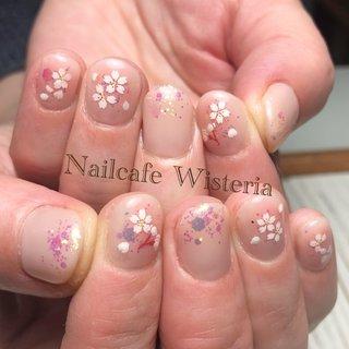 今年は暖冬なので、桜🌸早そうですね🥰💓  先週あたりから桜ネイルがよく出ます🌸💕  #桜ネイル #桜 #春ネイル #オフィス #春 #オフィス #ハンド #ベージュ #ピンク #nailcafewisteria #ネイルブック