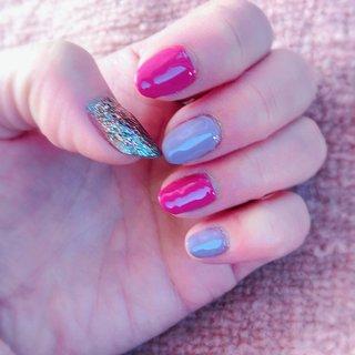 #ピンク#パープル#カラフルラメ#3色ネイル #さわこ #ネイルブック
