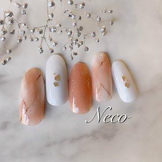 #ハンド #ラメ #大理石 #ホワイト #オレンジ #ゴールド #ジェル #ネイルチップ #nail salon Neco #ネイルブック
