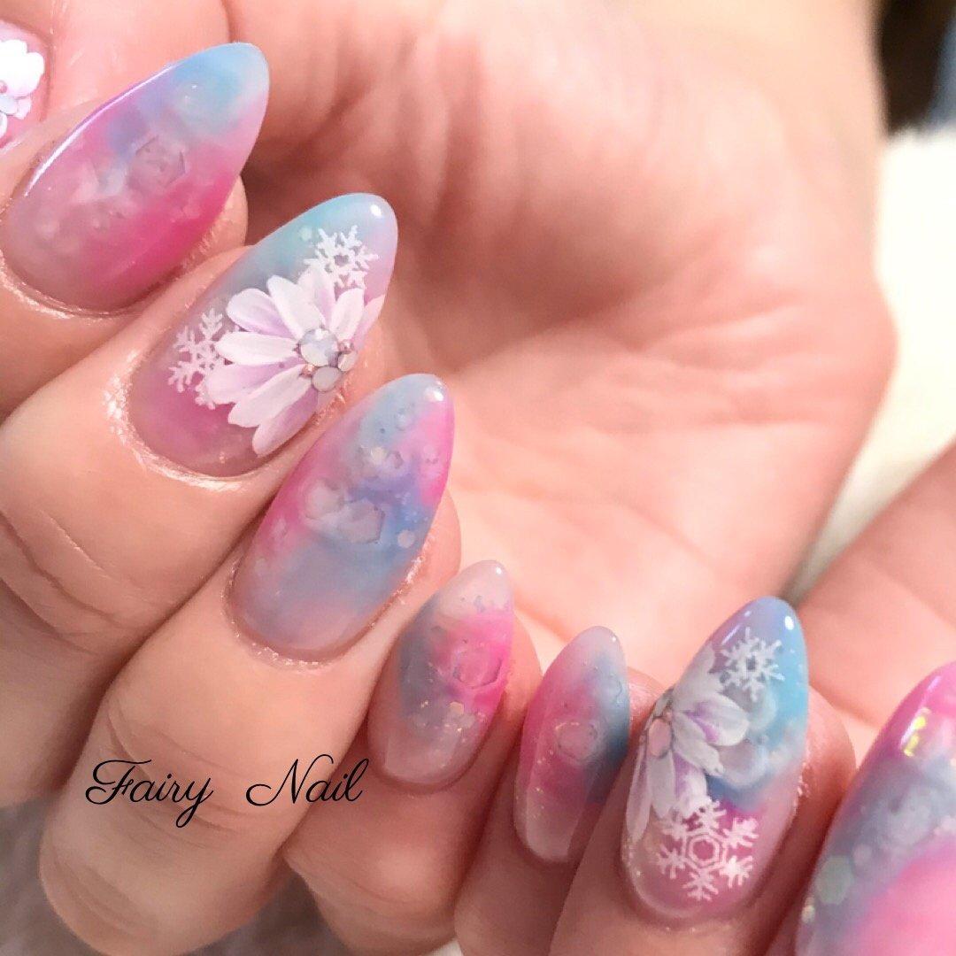 #大人ネイル #ジェル #nailart #ジェルネイル #nail #フラワー #ピンク #ホログラム #冬 #お花ネイル #かわいい #手描きアート #flower #画像持ち込み #冬 #ハンド #ホワイト #ピンク #水色 #fairynail #ネイルブック