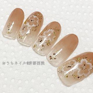 40代からの初めてのジェルネイルサロン。 丁寧なカウンセリングと技術でお迎えいたします。  ごちゃごちゃしないシンプルきれいめネイルが人気です。  主婦でもショートネイルでも、上品で艶やかな指先をご提案。   #京都ネイルサロン #ネイルサロン京都 #京都市右京区 #西院ネイル #ジェルネイル #ネイルケア #フットネイル #セルフネイル初心者 #セルフネイルレッスン京都 #サロン開業 #個人サロン #ネイリスト #ママ起業 #アラフォー #アラフィフ #大人上品 #シンプルネイル #ネイル京都 #おうちネイル京都西院 #ニュアンスネイル #ショートネイル #美肌 #深爪矯正#卒業式 #卒園式 #春 #卒業式 #入学式 #オフィス #ハンド #シンプル #グラデーション #フラワー #ショート #ホワイト #ベージュ #ゴールド #ジェル #ネイルチップ #おうちネイル京都西院 森本かおり #ネイルブック