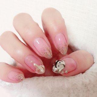 pinkpoodle_nailさんのデザインを参考にしてみました。  水銀ネイル。 はぐれメタル。 かわいい😍 #オールシーズン #ハンド #ラメ #グラデーション #キャラクター #水滴 #ミラー #ミディアム #ゴールド #シルバー #メタリック #ジェル #pink_cat #ネイルブック