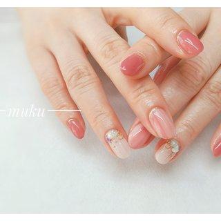 【スタンダードデザイン】✨  人気のデザインです(*^^*)  ---------------------  グレー ベージュ スモーキーカラー 得意です♪  お爪に優しいパラジェル使用。  サロン初心者の方でも安心✨ お肌に合うカラーをご希望に合わせてブレンド致します。  お気軽にご相談ください!  #春ネイル #muku #mukunail #ebisu #オフィスネイル #上品ネイル #大人ネイル #大人上品ネイル #大人の指先 #美爪 #パラジェル #オーダーメイドネイル #シンプルネイル #ネイルケア #恵比寿プライベートネイルサロン #隠れ家サロン #恵比寿 #恵比寿ネイルサロン #春 #オールシーズン #女子会 #ハンド #シンプル #ラメ #ワンカラー #ミディアム #ホワイト #ベージュ #ピンク #ジェル #お客様 #tomo #ネイルブック