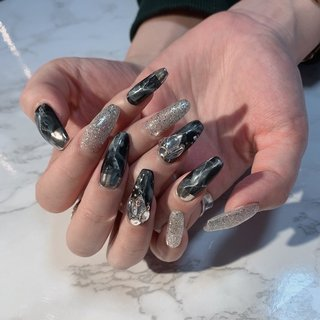 #大理石 #大理石ネイル #ブラック #ラメ #スワロフスキー #ロング #オールシーズン #ハンド #ビジュー #大理石 #ロング #ブラック #シルバー #ジェル #お客様 #rosita nail #ネイルブック