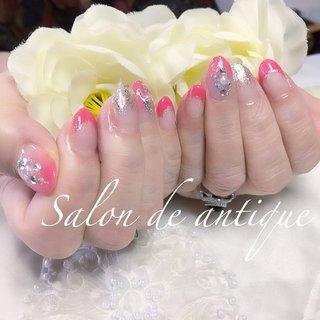 #キラキラネイル #ピンクネイル #春ネイル2020 #ホワイト #ピンク #シルバー #Salon_de_antique #ネイルブック
