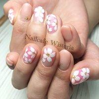 今月も大好きな・・・F様のイニシャルを💋💓  #イニシャル #桜 #さくら #桜ネイル #春ネイル #手書き #春 #ハンド #ホワイト #ピンク #nailcafewisteria #ネイルブック