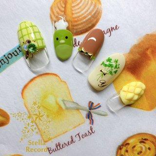 やよいパン🍞OPENおめでとうございます!  推しの3月思いっきり楽しませていただきます!  モチーフネイル  やよいパン  メインアートのスタッフお衣装をイメージして、ホケキョくんフレンチとメロンパンがポイントです(๑و•̀ω•́)و  カフェ当選祈願のやよいパンネイル(笑)当たりますように⭐️  #yhnailart #モチーフネイル #ネイル #ネイルアート #ネイルデザイン #nail #naildesign #nailart #motifnail #ステラレコード #stellarecord #ヲタクに見えないネイル #ツキウタ #ツキウタネイル #ホケキョくんフレンチ #ホケキョくんネイル #ホケキョくん #弥生春 #桃崎ひな #メロンパンネイル #やよいパン #春 #オールシーズン #ライブ #女子会 #ハンド #変形フレンチ #イニシャル #キャラクター #押し花 #キルティング #ミディアム #イエロー #グリーン #ブラウン #ジェル #ネイルチップ #YUKIE #ネイルブック