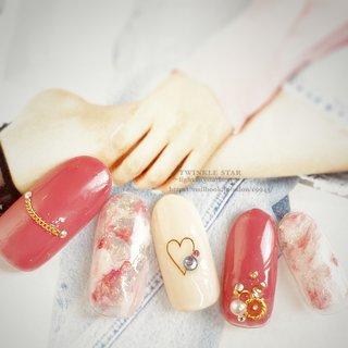#オールシーズン #パーティー #デート #女子会 #ハンド #ワンカラー #ビジュー #タイダイ #ミディアム #ホワイト #ピンク #レッド #ジェル #ネイルチップ #Twinkle Star Akiko #ネイルブック