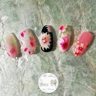 . . サンプルネイル💅 . . 2019年ばーじょん♪♪ . 2020年ばーじょんの春のお花は何が良いか考え中〜💦 . ピンク苦手女子だったり、フェミニン系苦手女子も多いから違った感じが良いけど….デザインを考えるのって難しい… . お楽しみに♪♪♪ . . . . . . #ネイル #ネイルアート #ジェル #ジェルネイル #nail #nails #nailart #gel #gelnail #アゲハジェル #agehagel  #agehaジェル #agehagel導入サロン #春ネイル  #2019春ネイル  #2020春ネイル  #春ネイルデザイン2019  #春ネイルデザイン2020  #フラワーネイルアート  #さくらネイルアート  #春のお花祭り🌸 #一層残し #フィルイン #江東区ネイル #江東区ネイルサロン #大島ネイルサロン #プライベートサロン #江東区大島 #lino粋 . . . ☆お問い合わせ☆ DMにてお問い合わせください. お待ちしております♪♪♪. . . #春 #卒業式 #入学式 #オフィス #ハンド #シンプル #グラデーション #ホログラム #ラメ #フラワー #ロング #ホワイト #ピンク #ブラック #ジェル #ネイルチップ #SHIHO #ネイルブック