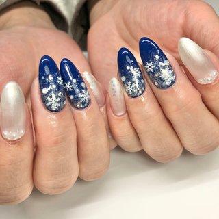 #ジェルネイル #雪#冬#雪の結晶 #ネイビー#クリスマス#ホワイト#パール #冬 #パール #雪の結晶 #ホワイト #ネイビー #nail room Laule'a_eri #ネイルブック