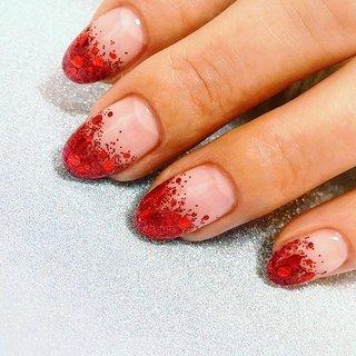 ". . ""RED. glitter& hologram "" . . キラキラは女の子の大好物❤️ . . #luxurynailvoila  #makihorita #nailsalon  #koiwa #nail #nails  #naildesign  #nailstagram  #glitternails  #hologramnails  #rednails❤️ #kirakira  #japannails  #tokyonails  #fashionista  #beauty #小岩ネイル #小岩ネイルサロン #ラグジュアリーネイルヴォアラ #ネイル #ラメグラデーション  #ホログラムネイル  #ジェルネイル  #ネイルデザイン  #大人ネイル  #キラキラネイル  #オシャレネイル #ファッションネイル  #美甲 #네일 #Nailist maki #ネイルブック"