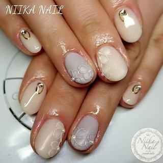 本日のお客様ネイル♡2/29 アイボリー×パープルグレーでマットフラワー♪ #gel #gelnail #gelart #nail #nails #naildesign #nailart #nailartist #nailbook #flowernails #ivorynails #graynails #ぷっくりフラワーネイル #マットネイル #アイボリーネイル #グレーネイル #格安ネイル #春ネイル #ジェルネイル #美甲 #niika_nail #板橋区中台 #志村三丁目 #ツヤツヤ #キラキラ #可愛い #シンプル #春 #卒業式 #デート #女子会 #ハンド #ビジュー #フラワー #パール #マット #ショート #ホワイト #水色 #ジェル #お客様 #Sa7e_Kurihara #ネイルブック