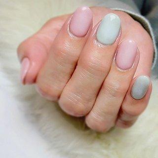 """. . """"highlight one colors """" . 普通のワンカラーにハイライトを入れてあげるだけで、ワンランクアップするよ🙌🏻 . #luxurynailvoila  #makihorita #jelnail  #nail  #nailstagram  #pastelcolors  #trend  #springnails  #fashion  #beauty #nailporn  #japannails  #tokyonails  #ラグジュアリーネイルヴォアラ #小岩ネイル  #小岩ネイルサロン #オシャレネイル  #ファッションネイル  #ミントグリーンネイル  #桜カラーネイル  #春ネイル  #ハイライトネイル  #パステルネイル  #トレンドネイル  #ピンクネイル  #大人可愛いネイル  #シンプルネイル  #オフィスネイル  #ワンカラーネイル  #春コーデ #Nailist maki #ネイルブック"""