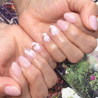おはよう御座います🌞 そろそろ桜の🌸季節ですね^ ^ 梅も満開だし今年は桜の開花早そう✨ 久々にお花の🌸リクエストいただきましてアートさせて頂きました😊ありがとうございました😊  近鉄荒本駅前にある ネイルと小顔整体、歯のセルフホワイトニングのお店になります☆ ご予約はホットペッパー、お電話にてご予約できます☆ 連絡先はプロフィールをご覧下さい^ ^  #nail #nails #nailstgram #nailart #美甲 #美甲沙龙 #젤레일 #네일아트 #東大阪 #荒本 #吉田 #長田 #鴻池新田 #荒本ネイルサロン #まちスキ #ニュアンスネイル #大人ネイル #ワーママ #ママネイリスト #ゴルフ女子 #F-NAIL #ネイルブック