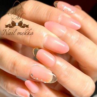 40代のお客様、クリアフレンチ♡ ・ これをやりたいからキレイに伸びてたお爪をあえて超ショートにクリアフレンチ🤤 ・ こちらもカルジェルplusより新色のピーチブロッサム🍑 ・ 質感とカラーが絶妙なコーラル系のピンク色♡ありそうでなかった可愛いカラーとクリアフレンチにうっとりしちゃう〜🤤 ・ #カルジェル #ジェルネイル #ピンクネイル #クリアフレンチネイル #クリアフレンチ #フレンチネイル #スカルプチュア #ジェルスカ #春ネイル #卒業式ネイル #入学式ネイル #宮城県大崎市ネイルサロン #宮城県大崎市古川ネイルサロン #大崎市古川ネイルサロン #宮城県大崎市古川 #大崎市古川 #ネイルメッコ #Nailmekko #ネイルブック #ハンド #フレンチ #グラデーション #ラメ #ビジュー #シースルー #クリア #ピンク #お客様 #Nail mekko #ネイルブック