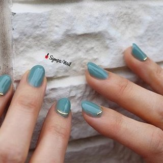 シンプル𓂃 ・ @nailparfaitgel 浅葱 良きカラーです。  ベースはパラジェルで自爪削らず密着。お爪が薄くなりません。  芸人さんお好きだとのことで、お客様の以外な一面を知り、新鮮でした😊  いつも有難うございます。 ・ ・ ・ ⚜︎ ⚜︎《HP》https://sympa-nail.amebaownd.com/ ⚜︎ ⚜︎ ・ ・ ・ #nails #naildesign #ネイルデザイン #黒川郡大和町 #泉区ネイルサロン #杜の丘 #杜の橋 #뷰티스타그램  #네일스타그램 #富谷 #fashion #吉岡 #beautiful #おしゃれさんと繋がりたい #l4l #大和ネイル #富谷ネイル #成田 #明石台#nailstagram #パラジェル登録サロン仙台 #美甲#followme#sympanail #maogel導入サロン宮城#パーフェクションマニキュア#フィルイン導入サロン#ネイルパフェジェル#シンプルネイル #オールシーズン #ハンド #シンプル #ワンカラー #グリーン #ジェル #お客様 #Sympa nail #ネイルブック