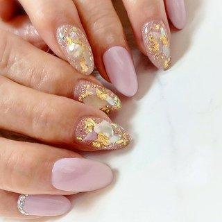 ". . ""Pink×shellism "" . 春のピンクはやっぱり可愛いね💕 . お客様にぴったりなピンクをデザインしますっ👌🏻 . . #luxurynailvoila  #makihorita #nail  #nails  #koiwa #nailstagram  #naildesign  #nailart  #pinknails  #springnails  #shellnails  #cutenails  #prettynails  #jelnails  #fashion  #beauty #japannails  #tokyonails  #ラグジュアリーネイルヴォアラ #小岩ネイル  #小岩ネイルサロン #プライベートネイルサロン  #ネイルコーデ  #春ネイル  #ピンクネイル  #桜ピンクネイル  #シアーネイル  #シェルネイル  #大人可愛い  #上品ネイル #Nailist maki #ネイルブック"