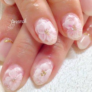 ふわっと桜ネイル(✿︎´ ꒳ ` ) 春はもうすぐ🍃🌸🐝🌸🍃 #優しいピンク  桜ネイルで春を感じます(*´∀`*)ノ #桜ネイル #ピンクネイル #春 #オフィス #パーティー #デート #ハンド #シンプル #ワンカラー #フラワー #ショート #ホワイト #ピンク #ジェル #お客様 #Azusa #ネイルブック