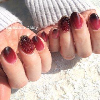 coolなのに魅惑的♡ 赤×黒 #エアジェルグラデーション ♡ #ハンド #レッド #お客様 #nailsalondaisy #ネイルブック