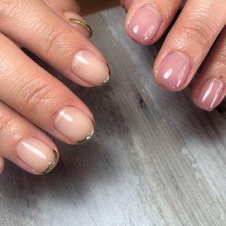 紆余曲折を経て、左手カラーがまとまって 本当に良かった😂  楽しい時間をありがとうございました♡  右手はうねライン☝︎ 先端メタゴールドは可愛いです😍  ⚫︎_____________________⚫︎  自爪育成・フィルインネイル専門店 私●manicurist.sugi●  ☟こんな方にオススメ☟  ☑︎噛み癖・むしり癖による深爪 ︎︎︎︎☑︎自分の爪が嫌い、悩みがある ︎︎︎︎☑︎綺麗な爪になりたい ︎︎︎︎☑︎どこのサロンに行ってもジェルのモチが悪い ︎︎︎︎☑︎悩みがあるけどどうしたら良いのか分からない   ☟詳しくは☟  トップページのブログをポチッ。 LINE@お友達登録も簡単にして頂けます♡  愛知県一宮市  《最寄駅:開明駅 徒歩7分 無料駐車場有り》   ☟お問い合わせ・ご予約☟ 直接DM or LINE@→【@ukh2436v】  ※自爪育成ではないフィルインネイル施術もございます。  #gel#gelnails#geldesign#nail#nailstagram #nails#nailart#愛知県#一宮#開明#一宮サロン#一宮ネイル#一宮ネイルサロン#美爪クリエイター#フォルム#フィルイン#フィルインネイル#美爪#深爪  #manicurist. #ネイルブック