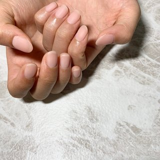 自爪風カラー&コーティング . 職業柄ネイルができない方や、 噛み癖、深爪などでお悩みの方にオススメ。 爪の補強、自爪育成が可能です。 . クリア、または自爪風カラーで施術するので ネイルしている事がバレません♩ ぜひご相談ください。 . . #自爪風ネイル#ジェルネイル#自爪育成#オフィスネイル#噛み癖#深爪#薄い爪#補強ネイル #御前崎市#菊川市#牧之原市#掛川市#島田市#袋井市#プライベートサロン #salon de INÉS___maki kawamura #ネイルブック