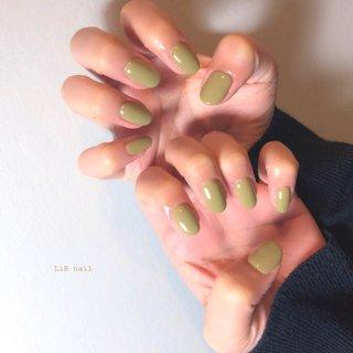𓏲 pistàcchio Green . 今年の春のトレンドカラー ピスタチオグリーンネイル🍀  お任せでミキシングさせて頂きました🎨Mちゃんいつもありがとうございます✨ . 天気が良くとても気持ちのいい一日🍀 私もお休みにはネイルチェンジして、健康的にお散歩でもしようかな✨  #sharesalonlib #niigata #tsubame #gelnail #nail #nails #nailart #nailsalon #handpainted #unghiegel #onicotecnica #manicurist #маникюрша #新潟ネイルサロン #新潟 #燕市 #プライベートサロン #個室サロン #ネイリスト #ネイル好きな人と繋がりたい #写真好きな人と繋がりたい #手描きアート#ネイルアート #アート #ジェルネイル #トレンドカラー #ワンカラー #くすみカラー #春 #入学式 #ハンド #ワンカラー #ショート #グリーン #ジェル #お客様 #yukari okonogi #ネイルブック