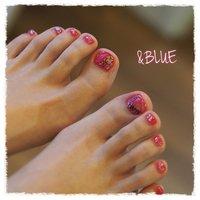 クリアピンク×ホログラム✨  #フットネイル #ペディキュア #ピンク #ニコちゃんネイル #女子カラー #オールシーズン #海 #リゾート #女子会 #フット #ホログラム #ワンカラー #ショート #ピンク #ペディキュア #お客様 #しむら ゆうこ #ネイルブック