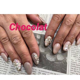 #Chocolat #スワロフスキー #スカルプチュア  #うめつくしネイル  #ブライダル  #ゴージャス #オールシーズン #chocolat214 #ネイルブック