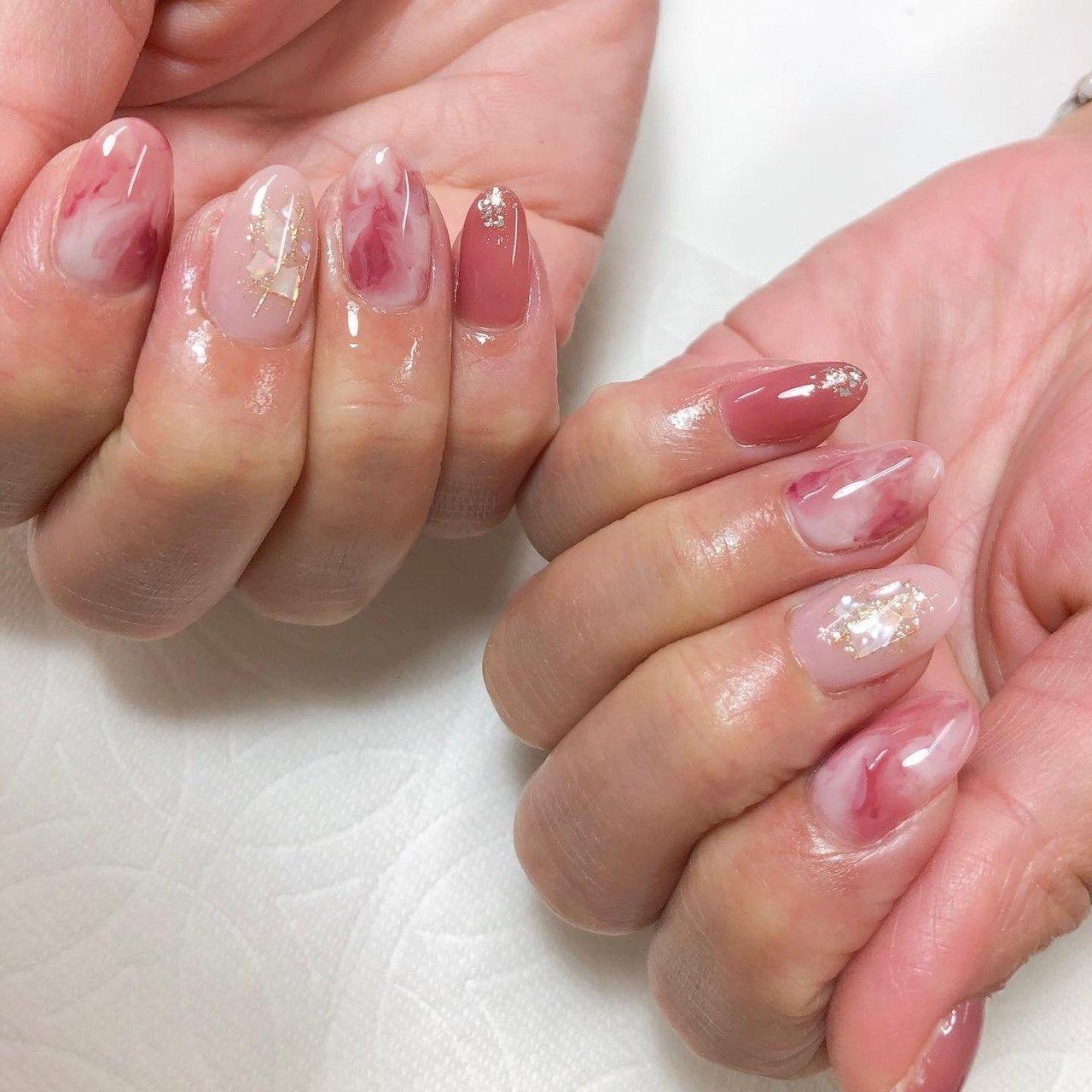 なんかアレやん?? オンナ💕ってかんじーー😆  #nails #nailart #大人ネイル #色っぽネイル #マーブルネイル #モヤモヤネイル #今日も無事着地w #武庫元町 #武庫元町ネイル #spacezero💅 #シンプル #ピンク #Naoko Kurosawa #ネイルブック