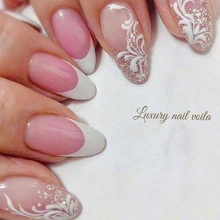 ". . ""french × art..."" . . ピンクベースの美しいフレンチに高級感あるアートをプラス✨ . リッチなネイルで春もladyを満喫してね💗 . . #luxurynailvoila  #makihorita #nailsalon  #koiwa #nails  #nail  #frenchnails💅  #springnails  #handdrawing  #nailstagram  #naildesign  #nailart  #nailporn  #jelnail  #newnails  #nailfashion  #fashion  #beautiful  #trend  #ラグジュアリーネイルヴォアラ #小岩ネイル #小岩ネイルサロン #手描きネイル  #フレンチネイル  #大人ネイル #上品ネイル  #高級感ネイル  #たかみえネイル  #ファッションネイル #オシャレネイル #Nailist maki #ネイルブック"