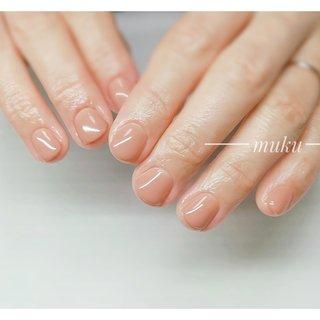 ショートですきっとベーシックカラー♪  #身だしなみネイル    ---------------------  グレー ベージュ スモーキーカラー 得意です♪  爪に優しいパラジェル使用。  カラー選びにお困りの方にも♪ お肌に合うカラーをご希望イメージに合わせてブレンド致します✨  お気軽にご相談ください!  #春ネイル #muku #mukunail #ebisu #オフィスネイル #上品ネイル #大人シンプルネイル #大人ネイル #大人上品ネイル #大人の指先 #美爪 #パラジェル #para #オーダーメイドネイル #シンプルネイル #ネイルケア #恵比寿プライベートネイルサロン #隠れ家サロン #恵比寿 #恵比寿ネイルサロン #オールシーズン #オフィス #ハンド #ワンカラー #ショート #ベージュ #ジェル #お客様 #tomo #ネイルブック