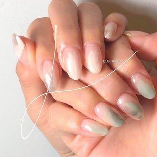 𓂃 pistàcchio nuance . 爽やかなピスタチオグリーンのニュアンスネイル🌿  塗りかけコースならプチプラで時短オシャレ✨ . . . #ピスタチオカラー  #share_salon_LiB #sharesalonlib #niigata #tsubame #gelnail #nail #nails #nailart #nailsalon #handpainted #unghiegel #onicotecnica #manicurist #маникюрша #新潟ネイルサロン #新潟 #燕市 #プライベートサロン #個室サロン #ネイリスト #ネイル好きな人と繋がりたい #写真好きな人と繋がりたい #手描きアート#ネイルアート #アート #ジェルネイル #ピスタチグリーン #ニュアンスネイル #ミラーネイル #春 #オールシーズン #入学式 #ハンド #ニュアンス #ミディアム #ホワイト #グリーン #ジェル #お客様 #yukari okonogi #ネイルブック