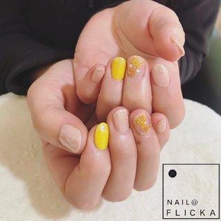 #ネイル #ジェルネイル #パラジェル #プティール #フィルイン #オレンジネイル #きいろネイル #イエローネイル #押し花ネイル #春ネイル #ラメネイル #yellownails #大人ネイル #nail #nails #gelnails #naildesigns #nailstagram #flowernails #nailpic #美甲 #네일 #nailbook #yellownails #hpb_nail #プティールフォトコン #パラジェル登録サロン #札幌ネイルサロン #円山ネイルサロン #西28丁目ネイルサロン #春 #夏 #オフィス #デート #ハンド #シンプル #ラメ #フラワー #ボタニカル #押し花 #オレンジ #イエロー #ゴールド #ジェル #お客様 #nail FLICKA sapporo #ネイルブック
