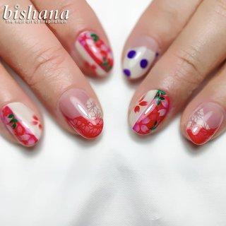 海外のフラメンコの衣装をモチーフに赤い桜、レース、水玉と鮮やかな春ネイルになりました◎ . . エアブラシのみで着色する世界に一つだけのネイル✩.*˚ ご予約受付中☆あなたらしい春ネイルをお作りします☀️ . . プロフリンクの ホットペッパービューティから24時間即時予約🆗 または LINE・メールにて ・お名前 ・第3希望日まで ・ご希望のメニューとオフの有無 を明記の上 送信してください . ご不明な点やお問合せはLINE・メールにてお気軽にご連絡ください☆ ホームページは「びしゃな」でweb検索 . 只今、新規様オフ無料 or ジェルメニュー千円引き🉐 . 【サロン情報】 10時〜19時最終受付 水曜定休 地下鉄「新宿三丁目」駅から徒歩3分 JR「新宿」駅中央東口から徒歩9分 丸ノ内線「新宿御苑前」駅から徒歩5分 場所の詳細はご予約後にお伝えしています☆ ネイルサロンが初めての方もおくつろぎいただけるように完全個室で1人づつ丁寧に対応しています◎ . . #フラメンコ #衣装 #水玉 #レース #桜 #桜ネイル #さくらネイル #サクラネイル #桜デザイン  #アートネイル #真っ赤 #派手ネイル #エアブラシネイル #グラデーションネイル #春ネイル #春ネイル2020 #春ネイルデザイン #新宿三丁目 #新宿ネイル #グラデーションネイル  #nailart #nailstagram #nailpro #winternails #winterart #nailartist #naillove #cherryblossomnails #cutenails #オールシーズン #旅行 #リゾート #パーティー #ベージュ #レッド #パープル #ネイルアーティスト bishana #ネイルブック
