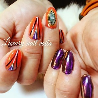 ". . ""Art×metallic...asymmetry style "" . . カジュアルにぜひ!コーデして欲しいデザイン❤︎❤︎❤︎ . 力を抜いたラフなファッションにパンチあるデザインはオシャレに決まるよ👌🏻 . 海外系が好きなお客様にもおススメだよー❤︎❤︎❤︎ . . #luxurynailvoila  #makihorita #koiwa #nailsalon  #nail #nails  #nailstylist  #nailstagram  #jelnails  #instacool  #coolnails  #dopenails  #naildesign  #nailart  #fashion  #fashionista  #newnails #japannails  #ラグジュアリーネイルヴォアラ #小岩ネイル #小岩ネイルサロン  #江戸川区ネイルサロン  #ファッションネイル #オシャレネイル  #かっこいいネイル  #海外系ネイル  #アシンメトリーネイル  #ミラーネイル  #手描きネイル  #派手ネイル #Nailist maki #ネイルブック"