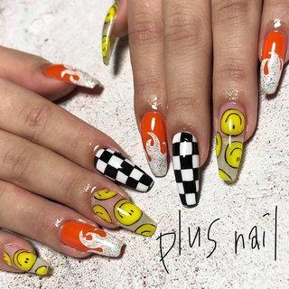 #キャラネイル #にこちゃん . . . 【 plus nail 】 あなたの暮らしに素敵なネイルをプラス💅 をコンセプトに、大人可愛いネイルをご提案しております。  担当〈えみ〉 #plus nail* 前田えみ #ネイルブック