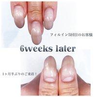 6週間の持ち!!! 【フィルインとは】 定期的にジェルのデザインチェンジをする際に、ジェルをオフせずに新しくする方法が 「フィルイン」という方法です(o^^o)  薬剤(アセトン)を使ってジェルを溶かしてお付け替えする方法ですと地爪の表面の削りを繰り返してお付け替えしていくので自爪にかなりの負担がかかってしまいます。 フィルインはジェルオフをするよりも 浮きの見極めや下処理には高度な技術が必要で、時間も手間もかかりますが、オフをしないことで、自爪への負担を最小限にジェルネイルを楽しむことができるんです!   #nailstagram#luxuryails#gelmanicure#art#Japannail#handpainted#artgoals#instagood#日本美甲#네일#反り爪修正#マシンケア#フィルイン#フィルインベース#美フォルム#ベース一層残し#自爪育成#シンプルネイル#ジェルネイル#グラデーション#くすみカラー #深爪矯正 #オールシーズン #ハンド #グラデーション #ミディアム #ブラウン #ジェル #お客様 #新里 #ネイルブック