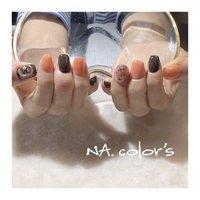 orange×brown nail ・ ・ ところどころ色味の違うオレンジになっているところがポイント🍊 ・ ・ ありがとうございました😊 ・ ・ ・ ・ NA.color ・ ------------------------------------------ 爪を大切に安心して付け替えが出来るフィルイン導入サロン・ ・ ♣︎ご予約はプロフィール画面よりお願いします @nailsalon_na.colors ・ ♣︎お問い合わせはこちらよりお願いします LINE ID→@jsw8391c(@を付けて検索) TEL→050-3627-5620 ・ ・ #フィルイン #精華町ネイルサロン #プライベートサロン  #癒しの空間 #ジェルネイル #パーソナルカラー診断 #ショートネイル #シンプルネイル #パラジェル #ココイスト #精華町 #新祝園駅 #祝園 #奈良市 #木津川市 #高の原 #NAcolors  #ナカラーズ # @marippppppppp 押し花やっぱり良いです💕 #押し花ネイル #ニュアンスネイル #春ネイル #オレンジネイル #ワイヤーネイル ----------------------------------------- #春 #ハンド #ワンカラー #フラワー #ミディアム #オレンジ #ブラウン #ジェル #お客様 #NA.colo's ナカラーズ #ネイルブック