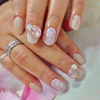 ". . ""Flower art × bijou "" . . #luxurynailvoila  #makihorita #nailsalon  #koiwa #japannails  #tokyonails  #citynails  #jelnails  #nail  #nails  #naildesign  #nailart  #springnails  #flowernails  #swarovski  #bijou #fashion  #beauty #newnails  #nailstagram  #ラグジュアリーネイルヴォアラ #小岩ネイル #小岩ネイルサロン #春ネイル  #花柄ネイル  #フラワーネイル  #大人可愛いネイル  #ピンクネイル  #春コーデ  #kawaiifashion #Nailist maki #ネイルブック"