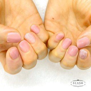 春ピンクのシンプルデザイン✨ ラメがポイントになりますね💕  #ピンク#ピンクネイル#春#春ネイル#春ネイル2020#うる艶ネイル#ラメ#シンプル#シンプルネイル #春 #オールシーズン #ハンド #シンプル #ショート #ピンク #ジェル #お客様 #slash_nail.tsukiyama #ネイルブック