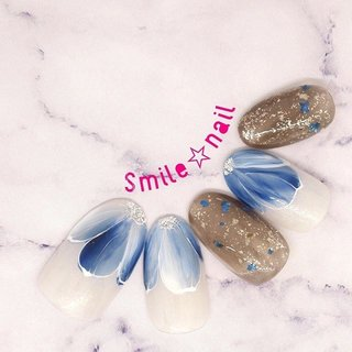 大田原定額ネイルサロン Smile☆nailのyukariです(*^^*) お待たせ致しました🙌 4月のセレクトコースデザイン出来ました✨  可愛くなりがちな、お花ネイルをブルー系でクールに仕上げました💙 ゆんゆ先生のデザインを参考にお花フレンチネイル💐カワイイっっ😍 沢山のオーダーお待ちしてます😊 ☆,。・:*:・゚'☆,。・:*:・゚'☆,。・:*:・゚' ご予約は#ネイルブック 又は プロフィールのURLから☆ 是非【Nail book】アプリをご利用下さい❤️ ☆,。・:*:・゚'☆,。・:*:・゚'☆,。・:*:・゚' ラクマでピアス ミンネでネイルチップを販売してます ٩( ᐛ )و  ネイルチップ→ミンネ https://minne.com/5116ykr (スマイルネイルで検索‼︎) ピアス→ラクマ https://fril.jp/shop/Smile_bijou (スマイルビジュー ネイリストで検索‼︎) ☆,。・:*:・゚'☆,。・:*:・゚'☆,。・:*:・゚' #smilenail #スマイルネイル #大田原市ネイルサロン #大田原市ネイル #大田原ネイルサロン #大田原ネイル #大田原定額ネイル #那須塩原ネイル #那須塩原ネイルサロン #ネイルサロン #西那須野ネイルサロン #お洒落ネイル #個性派ネイル #派手カワネイル #オーダーチップ #nailpicbeaut #美爪 #ミンネ #minne #nailbook #ネイリスト仲間募集 #ネイル好きな人と繋がりたい #春ネイル #4月ネイル #お花ネイル #フラワーネイル #お花フレンチ #ドライフラワーネイル #ブルーネイル #春 #パーティー #デート #女子会 #ハンド #ラメ #フラワー #シースルー #ニュアンス #ミディアム #ホワイト #ブルー #ネイビー #ジェル #ネイルチップ #Smile☆nail #ネイルブック